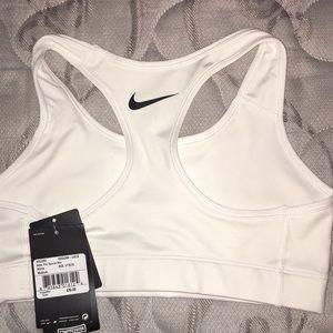 239ba77cde Nike Tops - Nike USC sports bra
